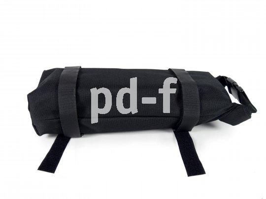 """Die """"Battery Bag"""" von Fahrer Berlin ist als wasserdichte, polsternde One-size-fits-all-Hülle für den häufig mitgeführten Zweitakku konzipiert. Sie kann auf dem Gepäckträger wie auch am Rahmen befestigt werden."""
