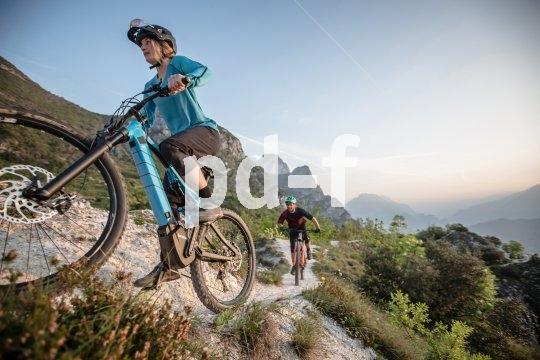 Fahrradantriebshersteller Brose bringt reichlich Erfahrung aus der Automobilbranche mit. Seine Motoren lassen sich in jedes Fahrradkonzept integrieren, von Alltag bis Sport, von City bis Downhill.