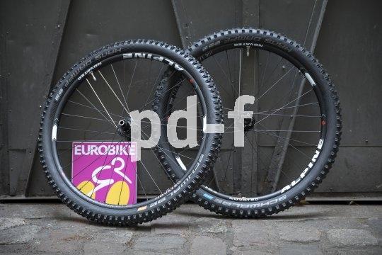 Auf der Eurobike 2018 präsentierte Nabenspezialist Novatec auch komplette Laufradsätze. Das Modell Alpine richtet sich an Enduro-Mountainbiker und ist somit vorbereitet auf harte Einschläge.