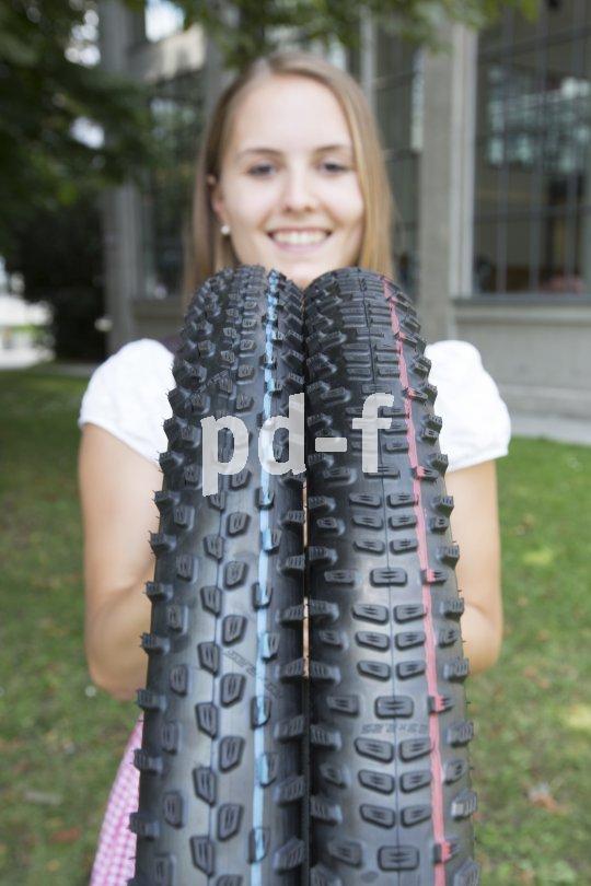 Zwei unterschiedliche Reifenprofile sollen den Grip und somit den Fahrspaß beim Mountainbiken erhöhen.