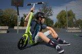 Ein Tretroller ist schnell, wendig, sicher und verhält sich ganz wie ein Fahrrad. Cool ist er auch.