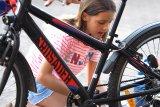 Kinderräder sind im harten Einsatz unterwegs und kriegen hin und wieder die ein oder andere Schramme ab.