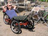 Platz an der Sonne: Wer mit dem Liegerad unterwegs ist, muss nicht einmal absteigen, wenn er mal die Beine hochlegen will...