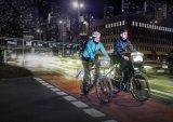 """Bei jedem Wetter selbst bei Nacht gut sichtbar zu sein ist die beste Lebensversicherung für Fahrradfahrer. Ortlieb bietet seine Packtaschenserie """"Ultimate 6"""" mit viel reflektierenden Flächen an."""