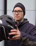 Wenn eine Mütze nötig wird, sollte man die Pads im Helm entsprechend anpassen.