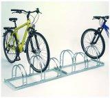 Damit die Fahrräder sicher stehen, müssen die Haltebügel hoch genug sein.