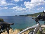 Ein entspannter Blick aufs Meer macht auf jeder Radreise Spaß.