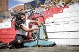 """Für Outdoor-Sport-begeisterte Radfahrer bietet der Rucksack """"Atrack"""" von Ortlieb Platz für die wichtigen Utensilien wie Bekleidung, Kletterseil oder Helm. Das neue Öffnungskonzept, ein Reißverschluss über die gesamte Länge im Rückenbereich, ermöglicht idealen Zugriff auf den gesamten Inhalt."""