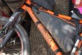 Passt genau und hält das Gewicht des Gepäcks im Zentrum des Fahrrades: Eine Rahmentasche, hier von Ortlieb, ist die Lösung für manches Transportproblem, wenn man offroad unterwegs ist.