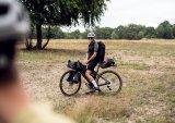 Auch ohne die klassische Hecktaschenkombi lässt sich viel Gepäck am Rad unterbringen. Der Rucksack ist z.B. dann sinnvoll, wenn sich reine Wandertouren an das Radeln anschließen.