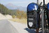 Mit solider, wetterfester Verpackung nimmt das Gepäck auch dann keinen Schaden, wenn einmal nicht die Sonne scheint.