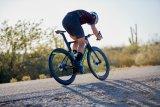 Die Rahmen und Komponenten vieler moderner Carbon-Rennräder werden nach aerodynamischen Gesichtspunkten optimiert. Auch Hochprofilfelgen tragen zur Verminderung des Luftwiderstands bei.