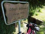 """In Sachen jüngerer Geschichte lassen sich auch heute noch viele bemerkenswerte Dinge per Rad entdecken. Die """"Grenzsteintrophy"""" ist eine Selbstversorger-Tour für Fahrradfahrer entlang der ehemaligen innerdeutschen Grenze."""