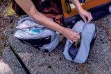 """Ordnung in die beliebten wasserdichten Packtaschen bringt Hersteller Ortlieb mit den """"Packing Cubes"""": Drei übereinander in die Taschen passende Einsätze zur praktischen Aufteilung des Gepäcks. Übersicht ist alles."""