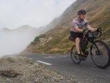 Erfahrende Biker wissen: Das Wetter kann im Hochgebirge schnell umschlagen.