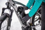 Im Winter besonders praktisch: Bei vielen E-Bikes kann der Akku entnommen und im Innenraum bei Zimmertemperatur geladen werden.