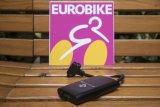 """So groß wie zwei Smartphones und jede Menge Puste: Auf der Weltleitmesse Eurobike stellte Hersteller M-Wave die """"Elumatik"""" vor, eine elektrische Luftpumpe für besonders komfortables Aufpumpen."""