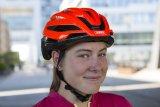 """Das Modell """"Storm Chaser"""" von Abus ist ein sehr leichter Helm mit einem Belüftungssystem der Profiklasse. Für alle Radsportarten mit Rennlenker gedacht."""