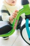 Mein Freund, das Dreirad: Damit können kleine Kinder eine ganze Menge Spaß haben und das Pedalieren lernen. Umkippen fast ausgeschlossen; und sie haben immer einen Sitzplatz dabei.