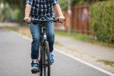 LED-Technik und Nabendynamo machen ein Tagfahrlicht möglich, das viel weniger Kraft kostet, als es zusätzliche Sicherheit im Straßenverkehr bringt.