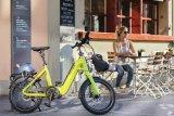 Kompakte Elektrobikes bieten alles, was der Nutzer in der Stadt braucht: genug Power, gute Bremsen, maßvolles Gewicht, wenig Platzbedarf beim Abstellen. Dieses Modell der Firma Flyer nutzt einen wartungsfreien, sauberen Riemen für den Antrieb.