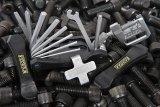 Für (fast) jeden Bolzen den richtigen Inbus und noch manch anderes Werkzeug immer dabei? Mit einem guten Multitool kein Problem.