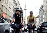 Noch Berlin, später Wallachei - als Bikepacker lässt man den urbanen Dschungel gern schnell hinter sich. Vor der Stadt campt es sich einfach schöner.