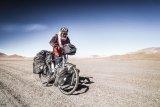 Mit einem guten Bike und der richtigen Ausstattung sind Reisen in fast alle Regionen unseres Planeten möglich. Und wer seine Besitztümer klug reduziert, kann sogar ganz ohne festen Wohnsitze als Radnomade sein Glück finden. Das Bike macht´s mit.