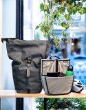 """Gepäcktaschenspezialist Ortlieb bietet mit dem """"Commuter Insert"""" einen genau in die beliebten wasserdichten Taschen passenden Einsatz, der für Ordnung sorgen soll. Zahlreiche Taschen bieten Raum für z.B. Laptop, Kleidung, Proviant und Werkzeug."""