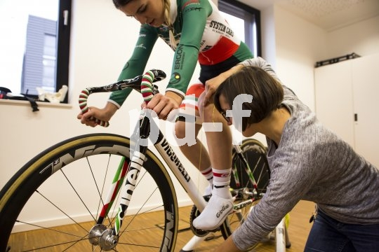Die genaue Anpassung des Fahrrades an den Menschen ist eien Kunst für sich. Nicht nur bei den Profis sorgt sie für das perfekte Miteinander von Mensch und Maschine.
