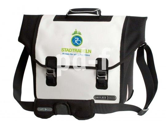 Speziell für den Alltagsradler entwickelt sind Taschen wie diese, die lässig über der Schulter getragen oder an den Gepäckträger geklickt werden können.