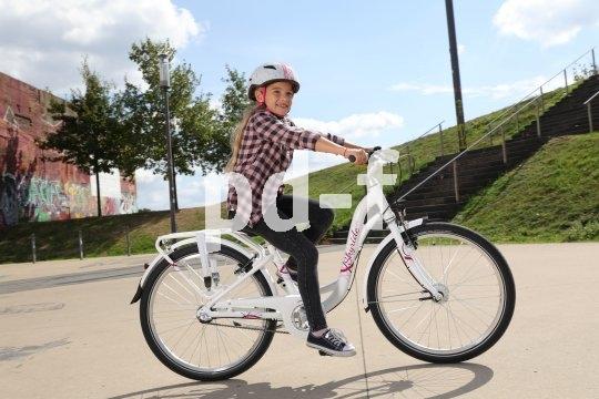Wenn die Laufräder schon etwas größer sind, taugt das Fahrrad auch für größere Entfernungen. Aber Vorsicht: Ein zu großes Rad schafft Unsicherheit und strengt übermäßig an - dann steht das Rad schnell wieder in der Ecke.
