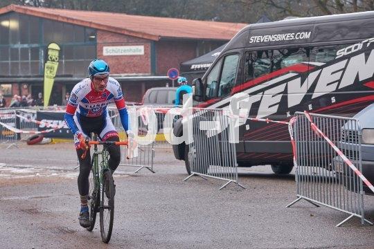 Für Zuschauer attraktiv: Cyclocross-Rennen starten oft mitten im Ort.