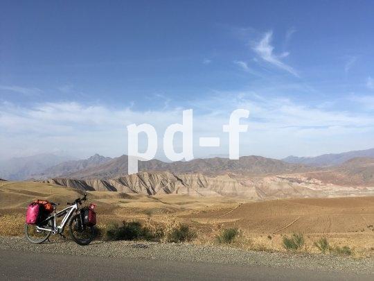 Andrea Freiermuth ist mit dem E-Bike auf ganz großer Tour. Unter anderem durchquerte sie den Iran.