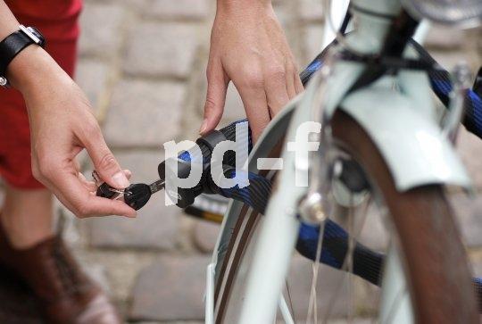 Hochwertige Schlösser werden mit bis zu vier Schlüsseln ausgeliefert - falls also einer mal verschütt geht, muss nicht gleich die Flex ran.