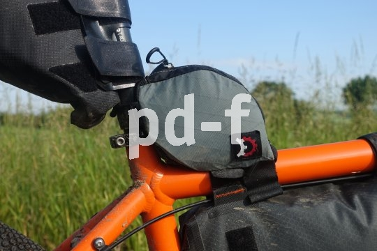 Passende Rahmentaschen halten das Gepäck immer im Zentrum des Geschehens - nichts wackelt oder schlackert. Ideal für Offroad-Fans mit Gepäck, auch Bikepacker genannt.