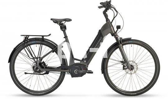So kann ein E-Stadtrad aussehen: tiefer Durchstieg, Gepäckträger, Scheibenbremsen. An diesem Pedelec der Firma Stevens ist alles dran.