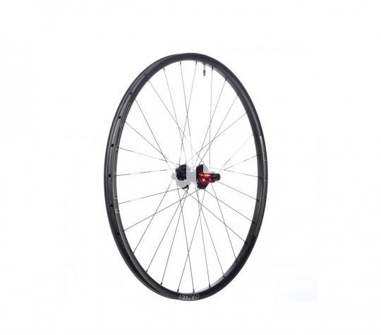 Ein Laufrad mit Carbonfelgen für Mountainbiker macht sich auch unter dem Weihnachtsbaum sehr gut - hier das ?ZTR Crest CB7?-Set von Stan?s No Tubes.