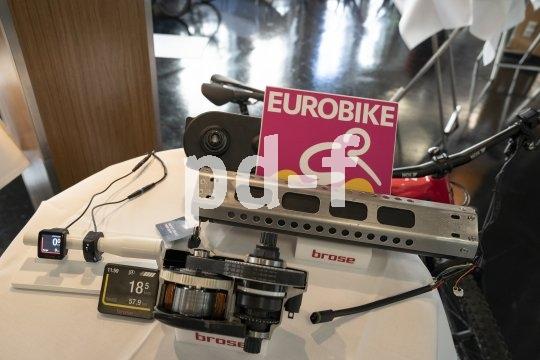 Die Eurobike als Leitmesse des Fahrradhandels bietet immer auch jede Menge technische Neuheiten. Ein Eldorado für alle, die gern den Finger am Puls der Zeit haben.