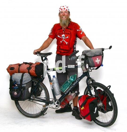Mit geeigneten Trägern und Taschen lässt sich auf dem Rad eine Menge Gepäck befestigen. Eben so viel, wie man für eine Weltreise braucht...