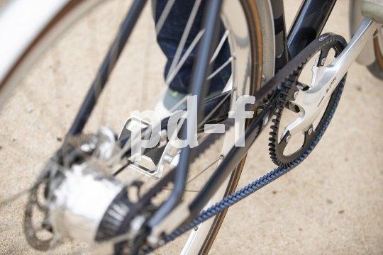 Wartungsfreiheit, Sauberkeit und optimale Kraftübertragung sprechen für die Wahl eines Riemenantriebes am Fahrrad.