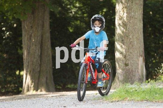 Ob im Bikepark, auf Trails oder Schotterpisten: Kindgerechte Mountainbikes machen Kindern Spaß und steigern ihre Lust aufs Radfahren.