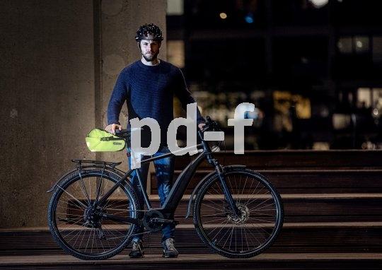 An idealer Position für die rückwärtige Sichtbarkeit von Mensch und Rad sitzt die Satteltasche. Hier ein vollflächig reflektierendes Modell der Firma Ortlieb.