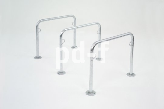 Abstellanlagen und Haltebügel für Fahrräder kommen in den unterschiedlichsten Formen und Ausführungen.