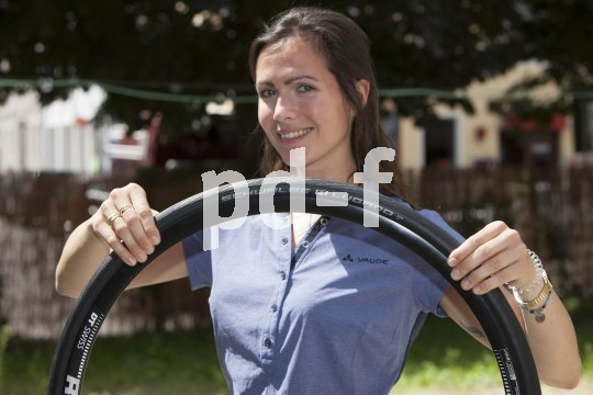 Rennradreifen können heute alles. Sie sind pannensicher und abriebfest, wiegen wenig und haften gut bei Schräglage.
