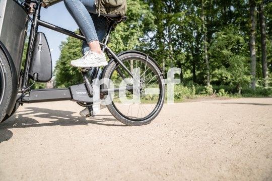 Ein Dreirad mit Transportbox und leistungsfähiger elektrischer Tretunterstützung schafft fast alles weg. Viele Autofahrten werden so überflüssig.