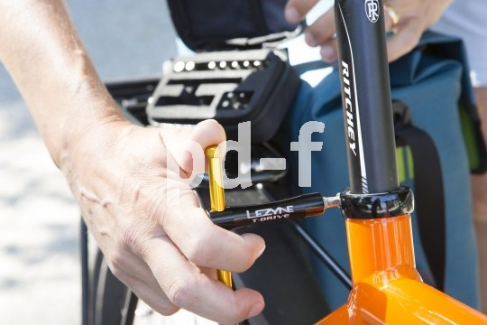 Praktische Tools helfen auch Alltagsradlern bei der richtigen Einstellung des Rades.