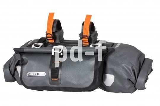 Spezielle Lenkertaschen mit großer Ladekapazität und sicherer Befestigung ersetzen am sportlichen Reiserad das Trägersystem an der Gabel.
