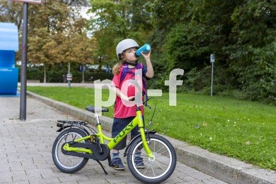 Kinderräder sollten möglichst leicht sein - der Durst ist ohnehin schnell groß.