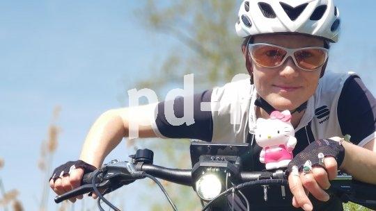 Andrea Freiermuth fährt aktuell mit dem E-Bike von Zürich nach China.